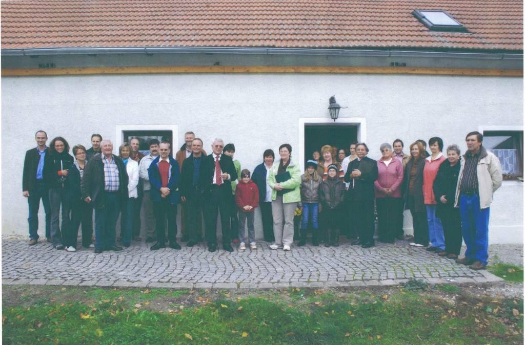 Kreiskommission und Dorfbewohner