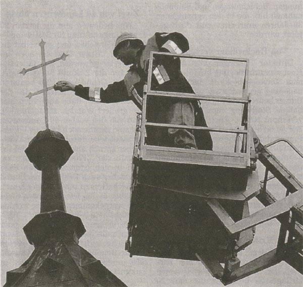 Begradigung des Kirchenkreuzes